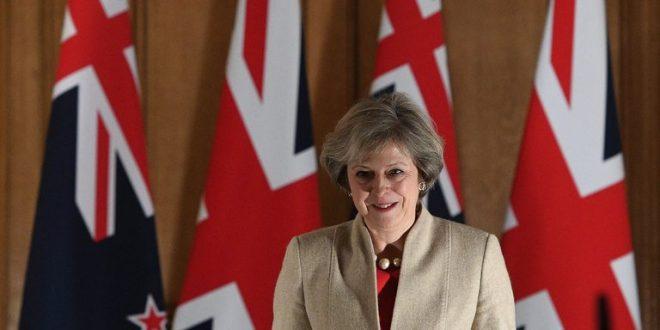 英相宣布提前大選 保守黨民調大幅領先
