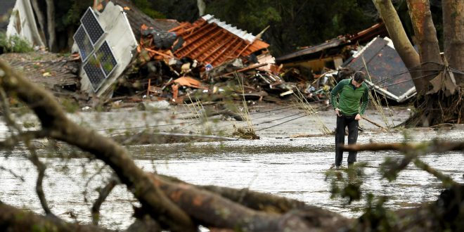 南加州冬季風暴引發泥石流 造成至少15人死亡