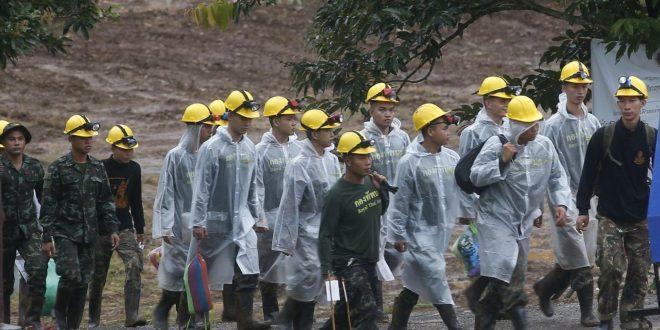泰國洞穴受困逾17天 教練球員悉數奇蹟獲救